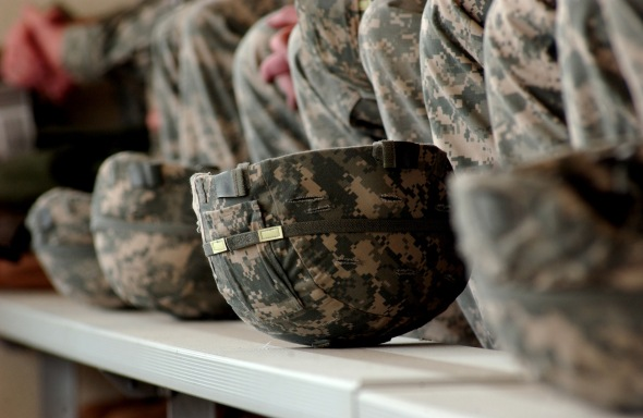 Army combat helmets (Photo: Wikimedia Commons)